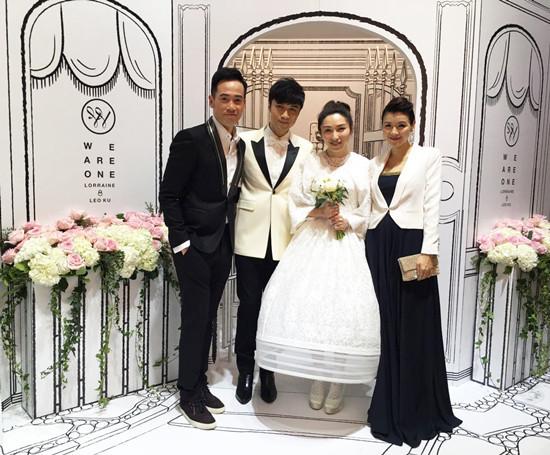 古巨基婚礼现场为爱妻献唱甜蜜亲吻-中国江门
