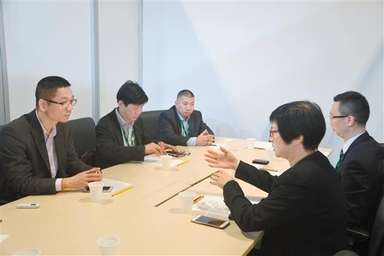 江澳双方进行友好交流。