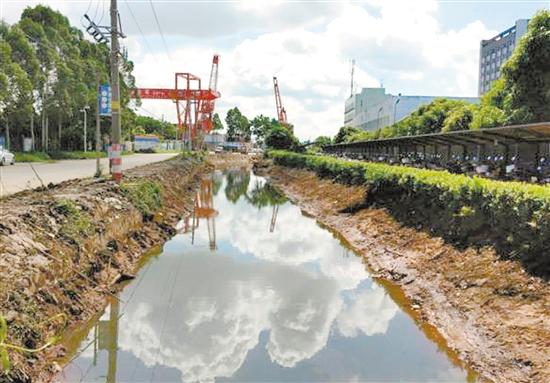 银洲湖纸业基地 附近河道完成清淤