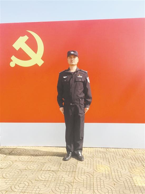 市公安局特警支队支队长赵卫福:救危解难尽显英雄本色