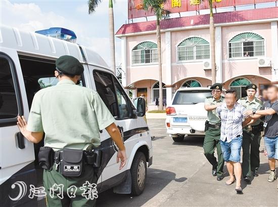 新会公安抓捕涉黑组织有关成员。