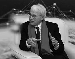 诺贝尔经济学奖得主本特·霍姆斯特罗姆在接受采访