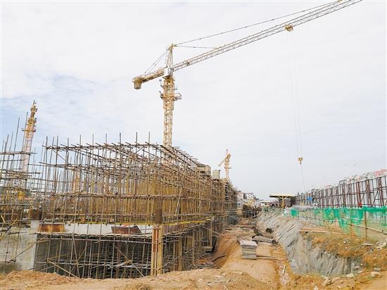 碧桂园去年竞得的地块正在紧张建设中,适时适量的供地无疑有效改善供需关系。