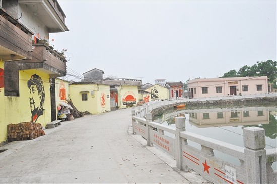 爱国主义与廉政文化主题的手绘壁画,成为罗坑镇下沙村的一道亮丽风景。