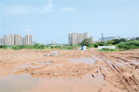 江海区新民大桥东北侧地块因故终止挂牌。